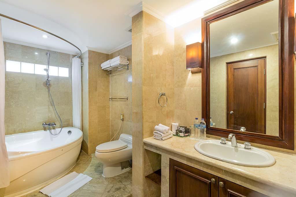 Junior Suite - Risata Bali Resort & Spa (2)